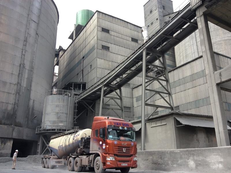 VICEM Hoàng Thạch: Đi đầu trong sử dụng tro xỉ, thạch cao nhân tạo làm nguyên liệu sản xuất