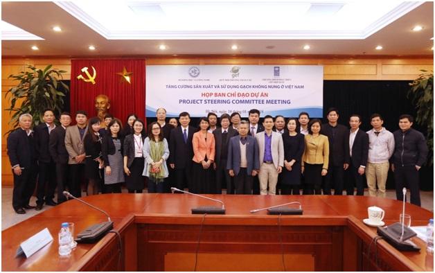 """Họp Ban chỉ đạo Dự án """"Tăng cường sản xuất và sử dụng gạch không nung ở Việt Nam"""""""