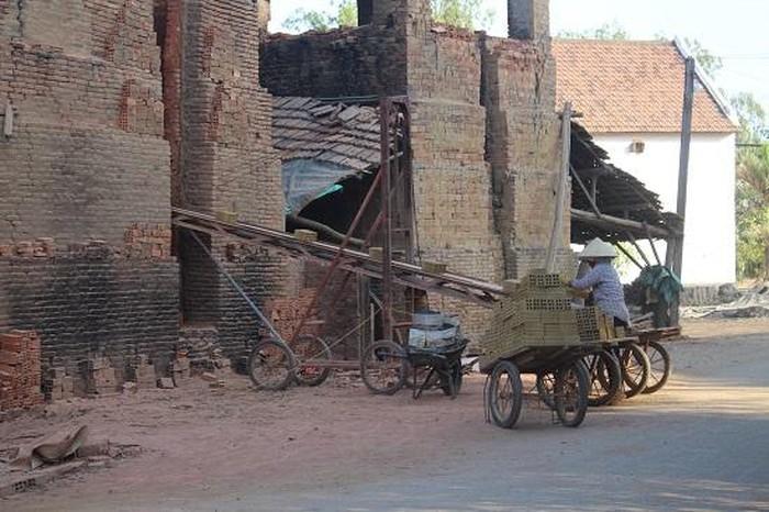 UBND thành phố Quảng Ngãi tập triển khai thực hiện xóa bỏ lò gạch thủ công trên địa bàn thành phố