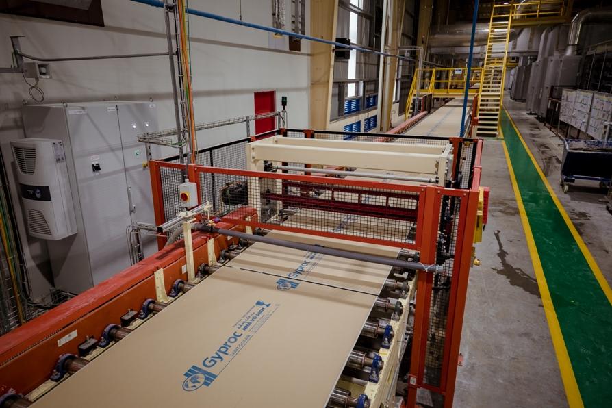Saint-Gobain đầu tư mở rộng quy mô sản xuất tấm thạch cao và xi măng sợi tại Việt Nam