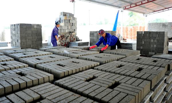Ý kiến về thực hiện chủ trương phát triển VLXKN, chấm dứt sản xuất gạch đất sét nung
