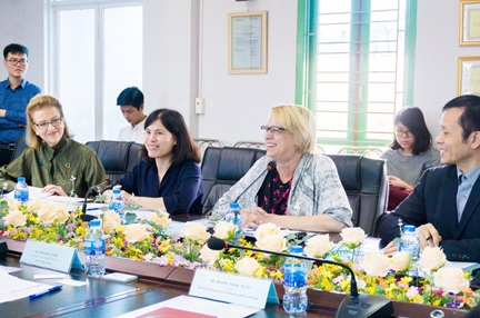 Deputy Regional Director of UNDP in Asia and the Pacific and Resident Representative a.i. of UNDP Viet Nam pay a working visit to the Non-Fired Brick Project - Ministry of Science and Technology