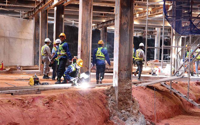 Vào mùa xây dựng, giá vật liệu xây dựng tăng mạnh