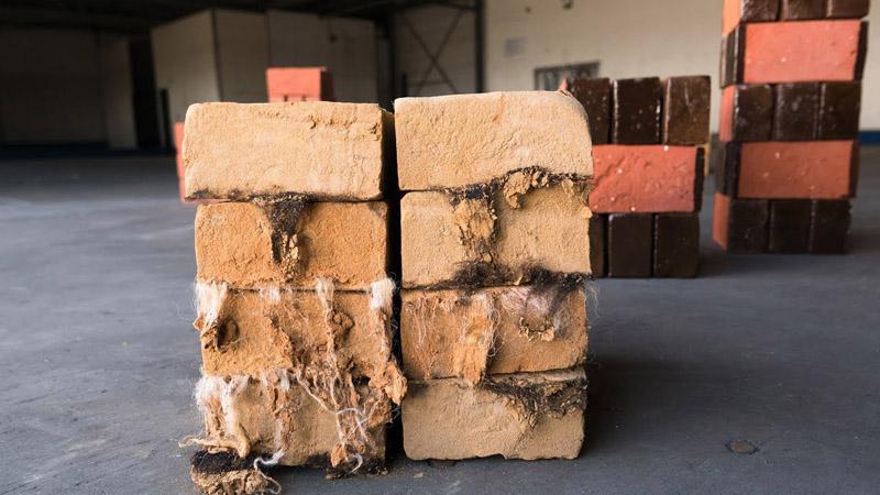 Tái chế phế liệu thành vật liệu xây dựng