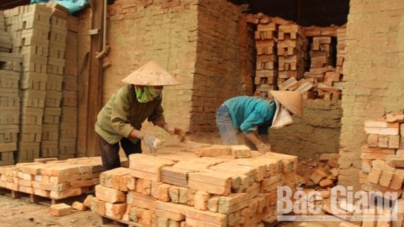 Thời gian hoạt động sản xuất của các nhà máy gạch theo công nghệ lò vòng tại Bắc Giang