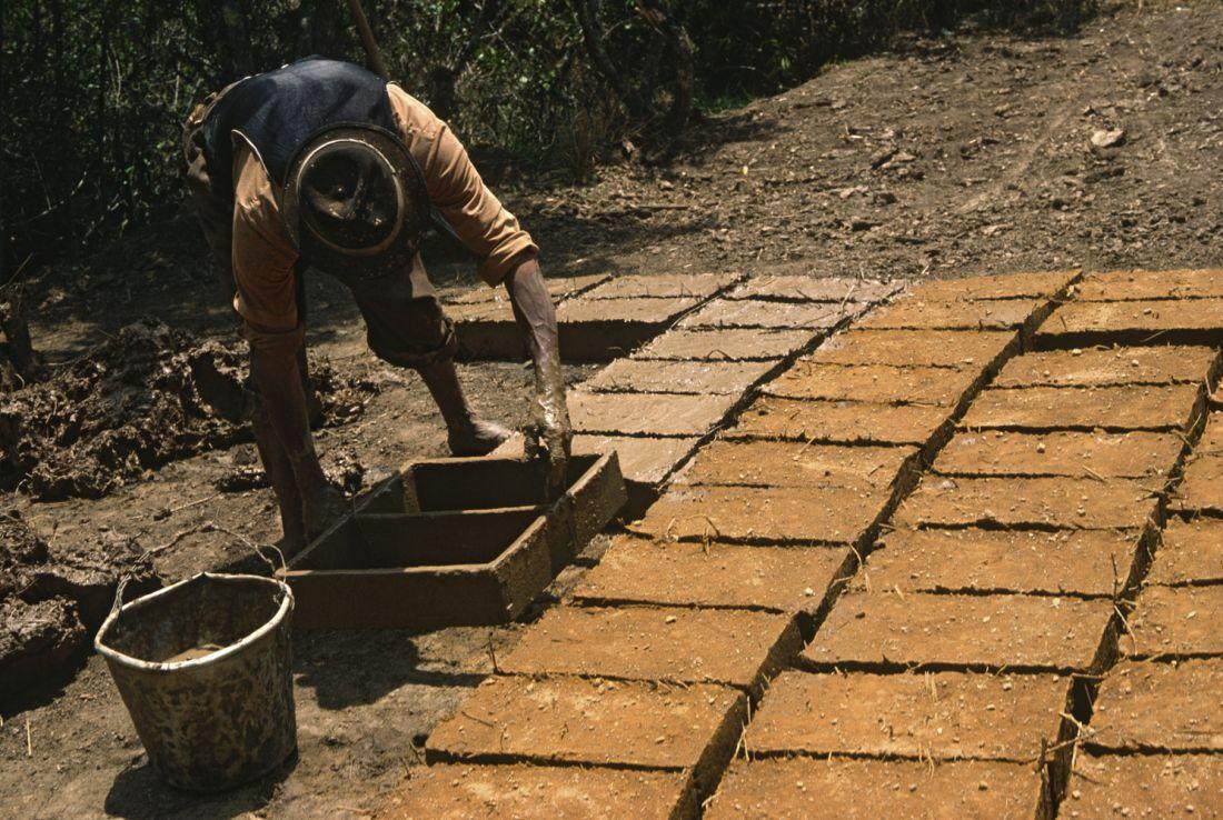 Gạch không nung bằng đất nện: Vật liệu tái chế bền vững nhất thế giới