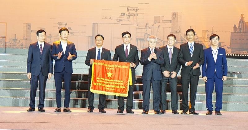 Nâng sản lượng sản xuất xi măng của Vicem Hoàng Thạch lên 6 triệu tấn/năm