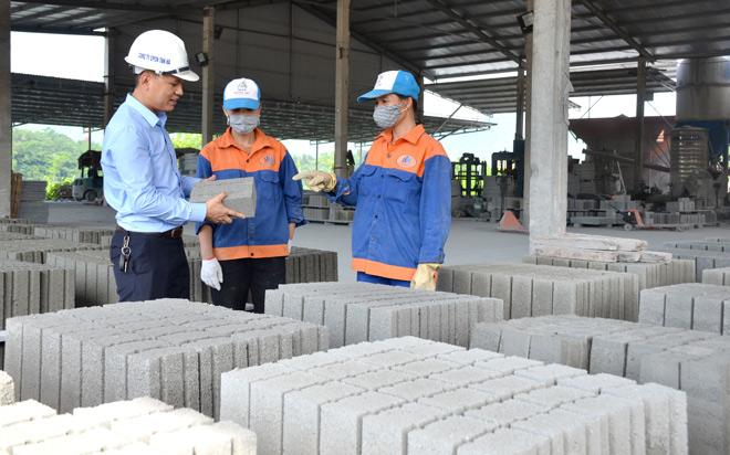 Tuyên Quang: Sản xuất gạch không nung - Hướng đi bền vững